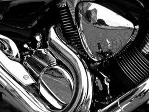 استفاده از آبکاری کروم روی قطعات فولادی یک موتورسیکلت